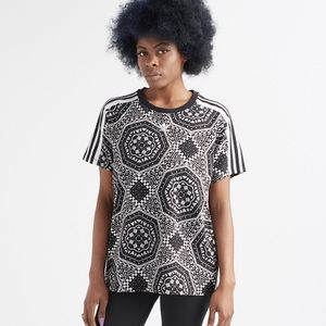 Adidas BF short sleeve graphic tee Sz. XS